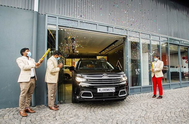 Deliveries have begun at all 10 La Maison Citroen phygital showrooms across the country. This is the Kochi outlet.
