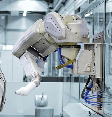 The 13,000th robot manufactured by Dürr is anEcoRP E043i, and will be used to paint the interior of passenger cars at GM in Changwon.