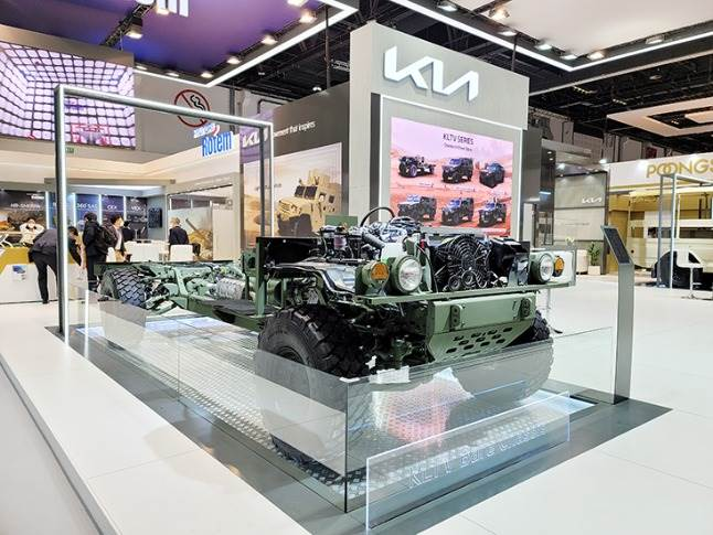 Kia's involvement at IDEX 2021 is its largest to-date, with the UAE being seen as a key strategic military vehicle market. It is sharing exhibition space with affiliate, Hyundai Rotem Co.