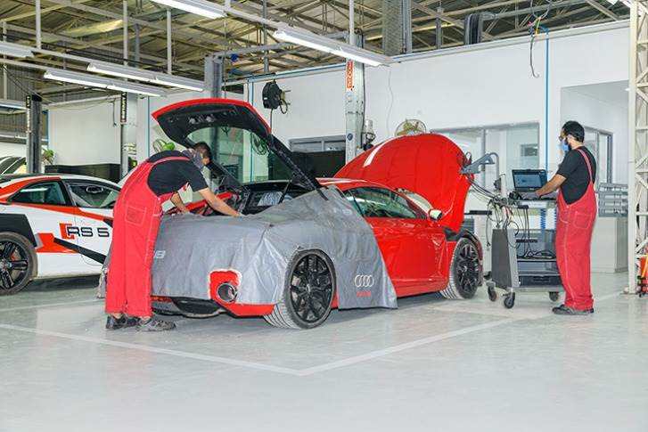 Spread across 131,000 square feet, the new facility, manned by Audi-trained technicians, can service 30 cars per day in a single shift to exacting company standards.