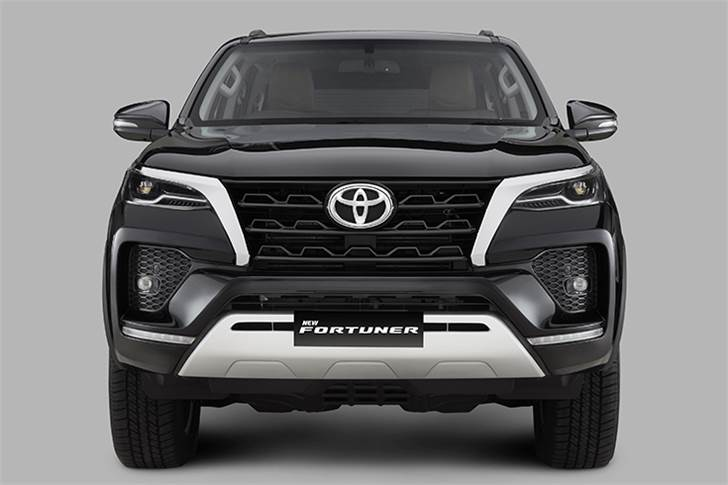 Refreshed Fortuner gets gets a host of exterior and interior changes including a new front bumper, mesh inserts, and redesigned LED headlamps with integrated DRLs.