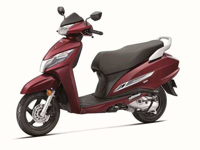 BS VI-compliant Honda Activa 125 is developed with 26 new patents. It is available in 3 variants with the price starting at Rs 67,490 (ex-showroom Delhi).