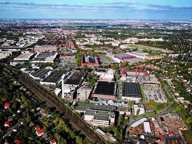 Berlin-Marienfelde site to become competence center for the digitalization of the global Mercedes-Benz production network.