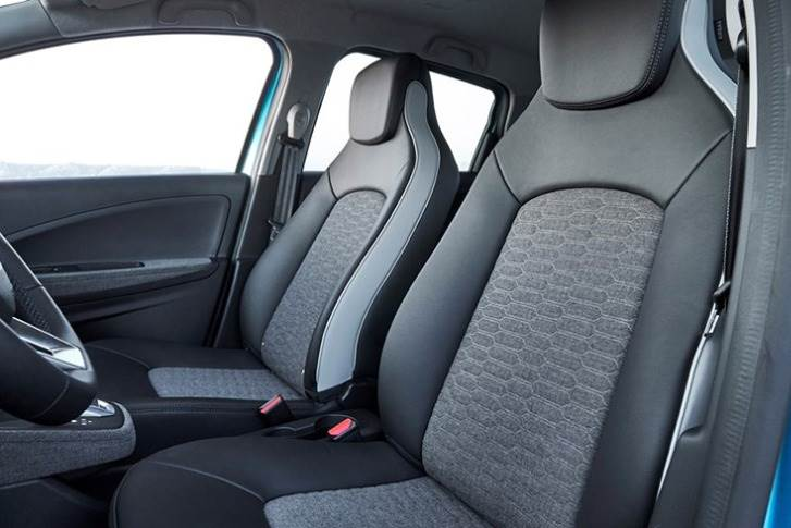 100% recycled fabric used to make seat covers, dashboard coverings, gear lever brackets and door fittings, and meets the high requirements for comfort, cleaning, UV resistance and durability.