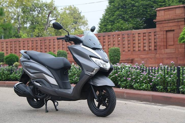At No. 5 is the Suzuki Burgman Street 125 with  53kpl. Although it uses the same 124.3cc motor producing 8.7hp from Access 125, its 108kg weight sees its lighter sibling fare better.
