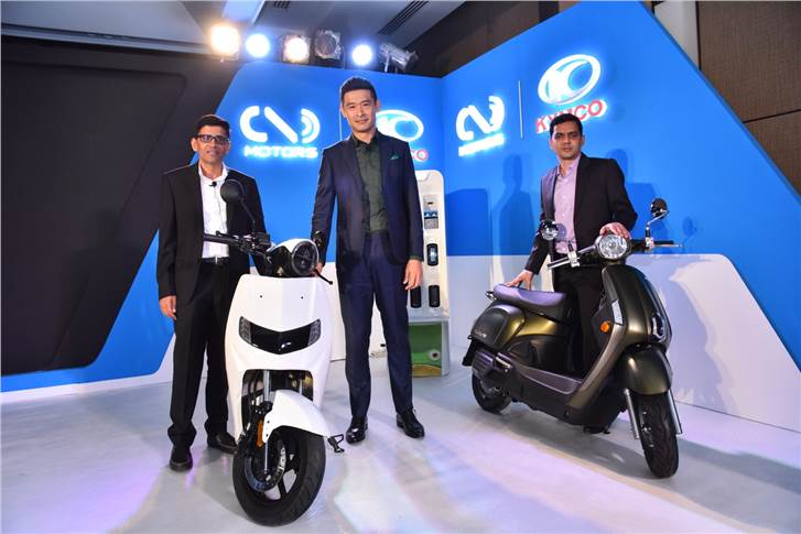 Parveen Kharb and Vijay Chandrawat, co-founders, Twenty Two Motors and Allen Ko, chairman, Kymco.