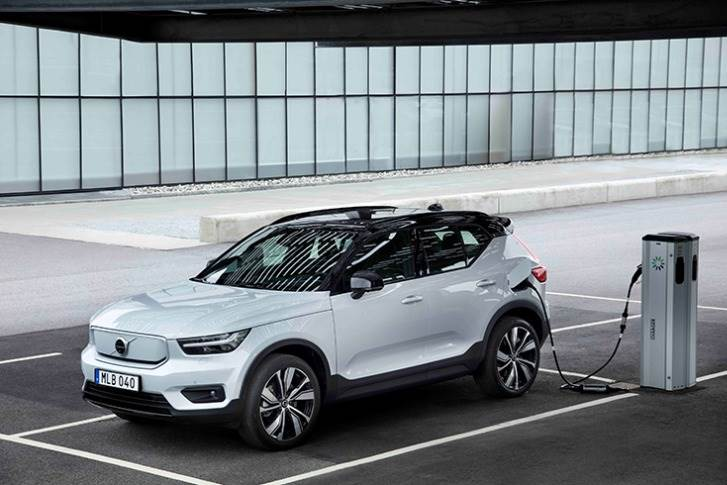 The all-wheel drive XC40 Recharge offers a projected range of over 400km on a single charge and output of 408hp.