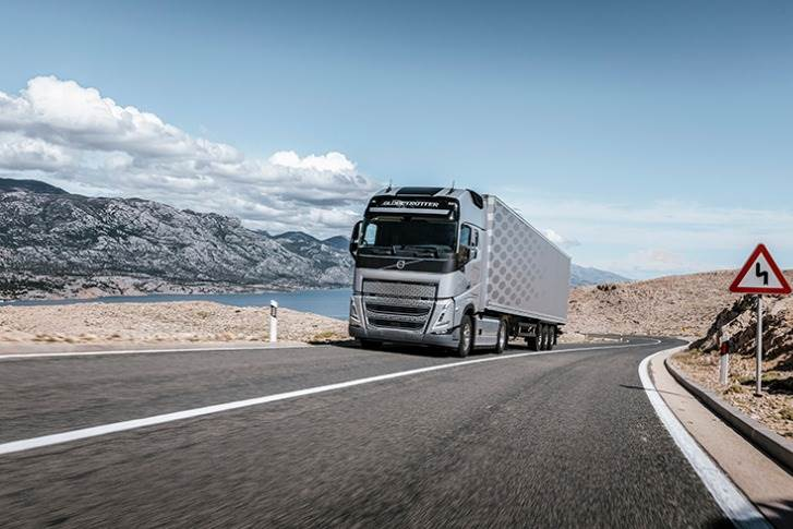 Today, all Volvo FH, FH16, FM and FMX trucks are fitted with I-Shift as standard.