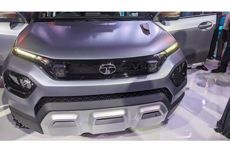 Like with other newer Tata cars, the front fascia features a split-headlamp setup with the main cluster located lower down on the bumper.