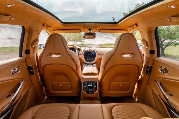 Prominent features include a large pair of TFT screens, one central and one ahead of the driver, and a 'bridged' centre console that brings both elegance and space efficiency to the cabin.