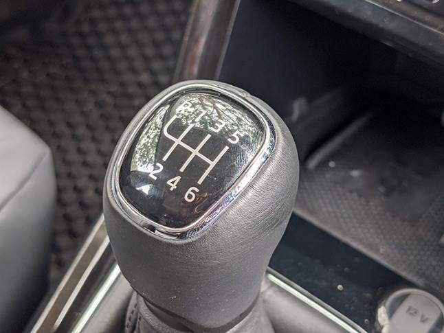 Six-speed manual transmission offers precise shifts with light clutch action.