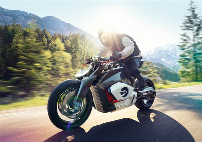 BMW Motorrad Vision DC Roadster preserves the identity and iconic BMW Motorrad appearance, but also offers a new form of riding fun.