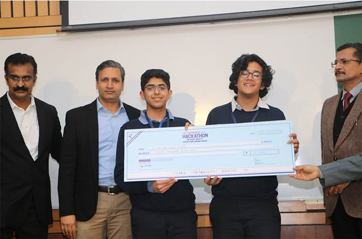 The winners of the Hackathon event at IIT Delhi