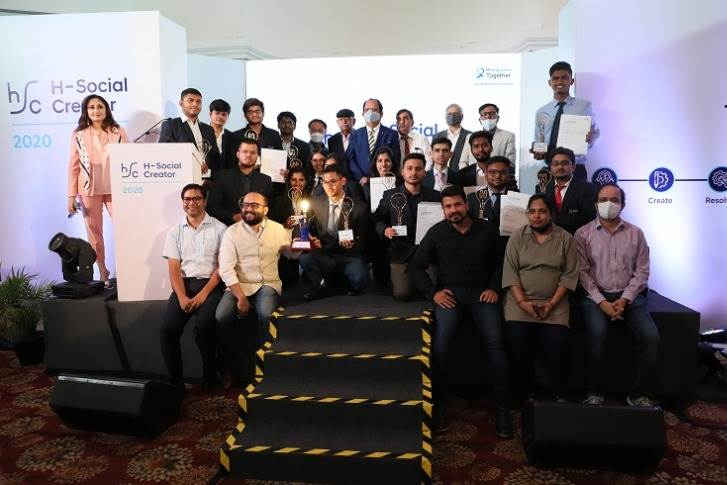 All 11 Finalists at the Grand Finale of H Social Creator (HSC) 2020 along with their mentors in New Delhi.