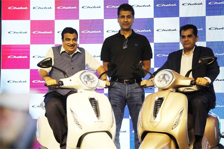 Nitin Gadkari, Minister of Road Transport and Highways; Rajiv Bajaj, MD, Bajaj Auto and Amitabh Kant, CEO, NITI Aayog unveil the Chetak electric scooter.