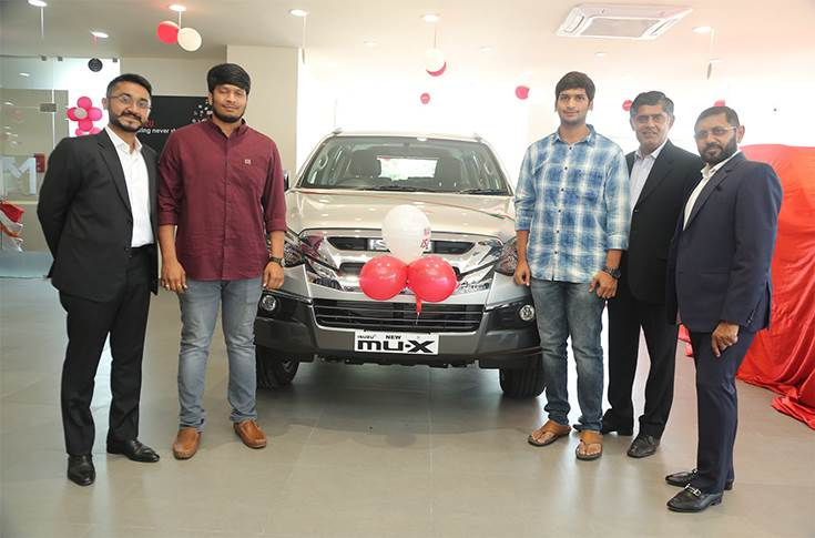 mu-X Vehicle Delivery at the inauguration of new service facility of Mahavir ISUZU in Vizag