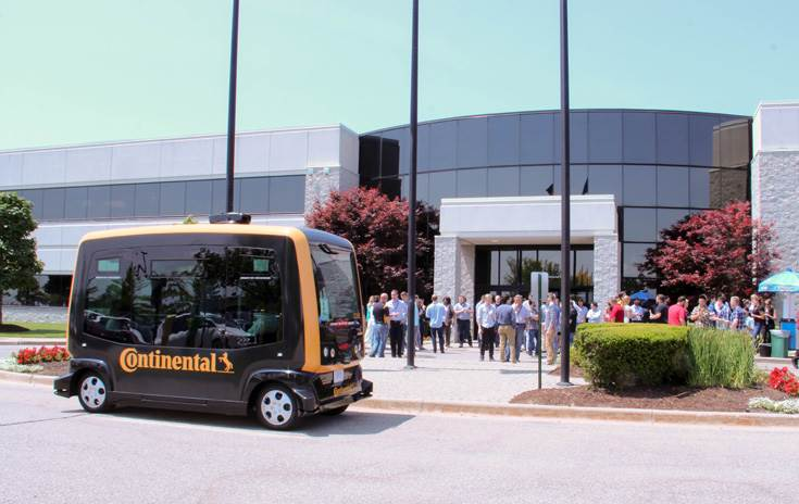 An employee shuttle with the CUbE at Continental's Auburn Hills, USA facility.