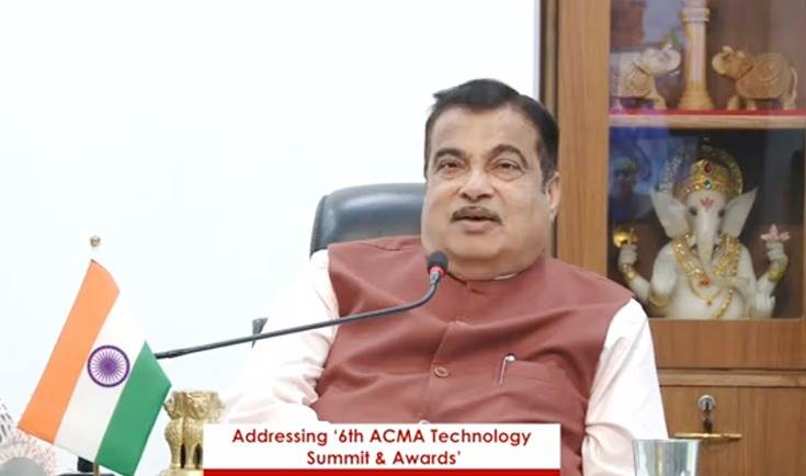"Transport MInister Nitin Gadkari"" We must make quality alternatives so that we can fulfil the demand in the Indian market at a reasonable cost."""