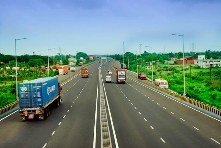 From April 2020 to January 15, 2021, MoRTH has constructed 8,169km of National Highways, which translates into around 28.16km per day compared to 7,573km of roads or 26.11km per day in FY2020.