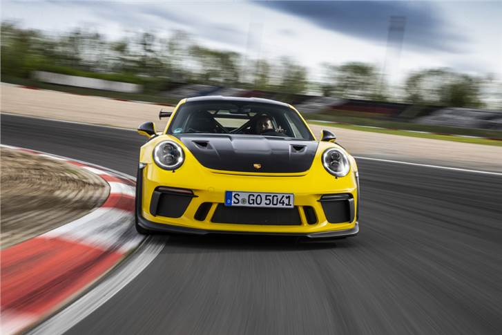 The number of sports cars delivered by Porsche in 2018 increased by ten per cent to 35,573 vehicles.