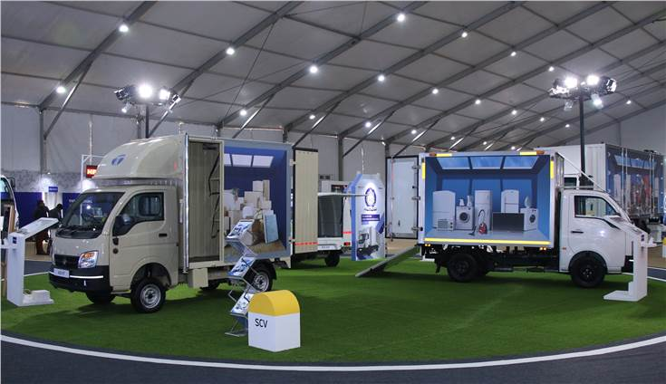 Tata Ace Delivery Van and Tata Super Ace Mint XPS Insulated Container displayed at the Tata Motors E-commerce Expo 2019.