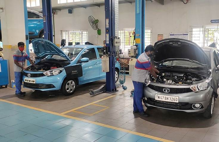 Cloud-based software solutions are enabling bay scheduling and vehicle tracking inside workshops to drive productivity.