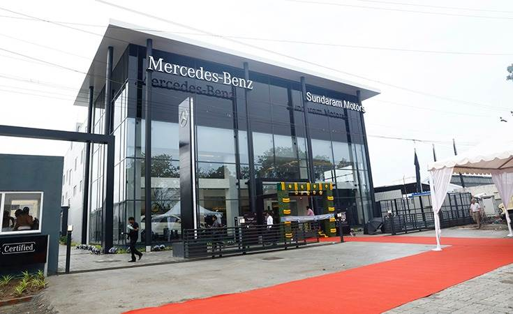 The Mercedes-Benz Sundaram Motors dealership in Chennai is spread across 72,000 square feet. It has a 6-car display and 63 service bays that can service up to 15,000 cars a year.