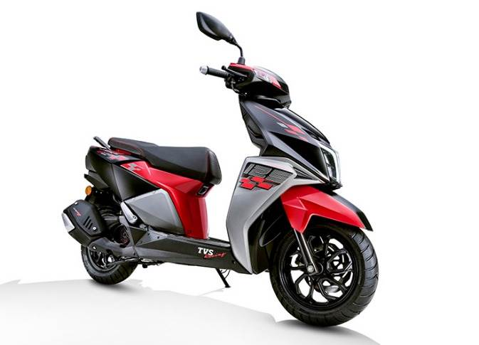 The Race Edition of the 125cc scooter features a unique colour scheme. The body panels are red-, black- and silver-coloured and the scooter also gets chequered-style decals on the front apron and side panels.