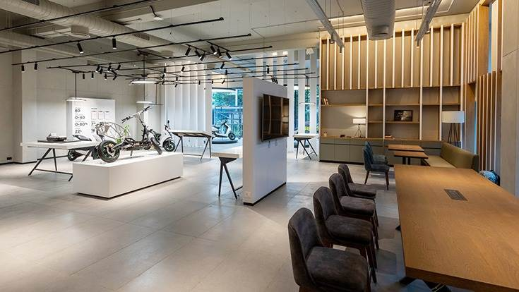 Ather Space is a dynamic, tactile and interactive facility designed to educate customers about EVs while providing a holistic experience in an interactive space. This is the Chennai Ather Space.