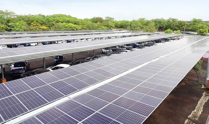 The solar carport will generate 86.4 lakh kWh of electricity per year and reduce 7,000 tons of carbon emissions annually.