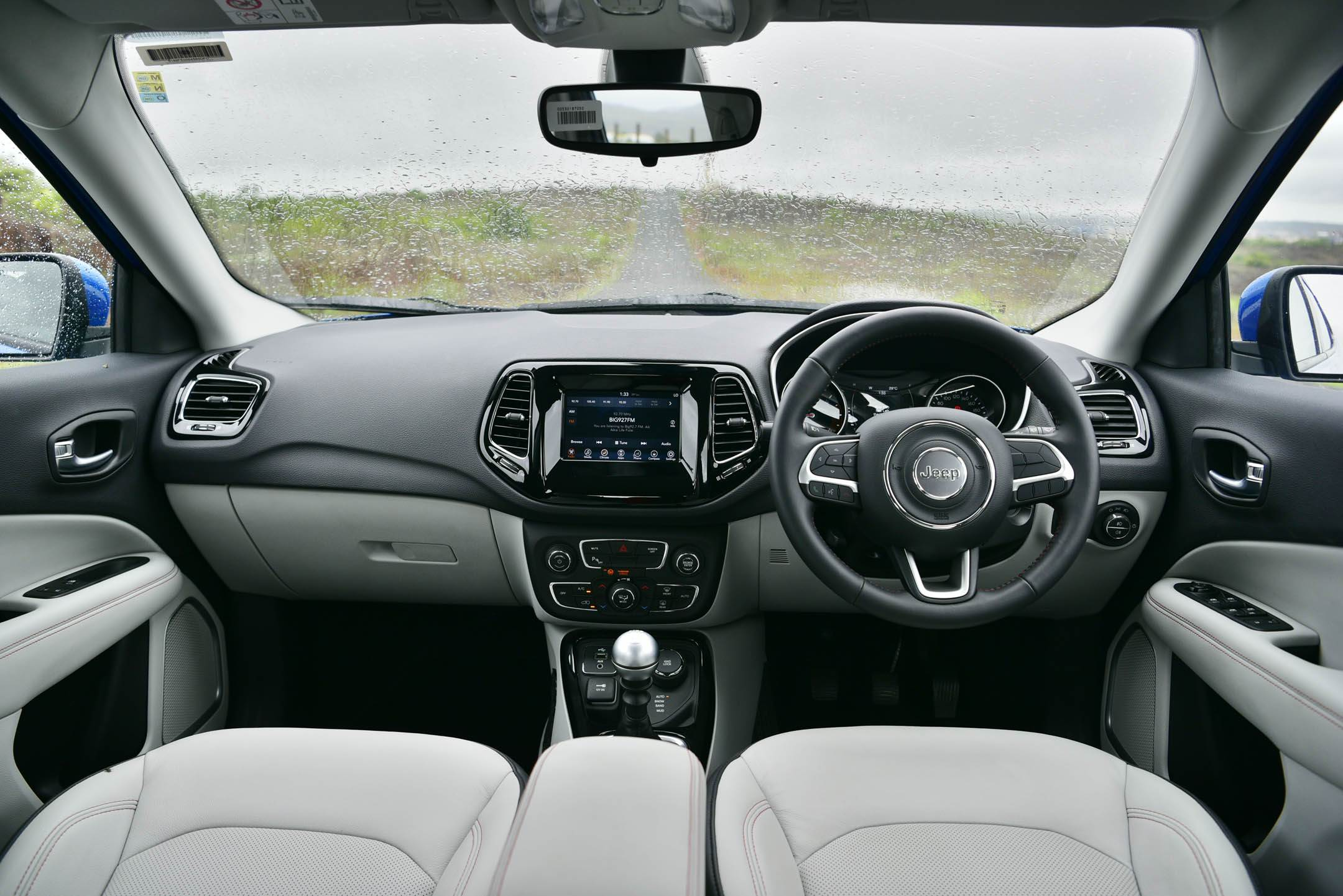 web-jeep-compass-interior