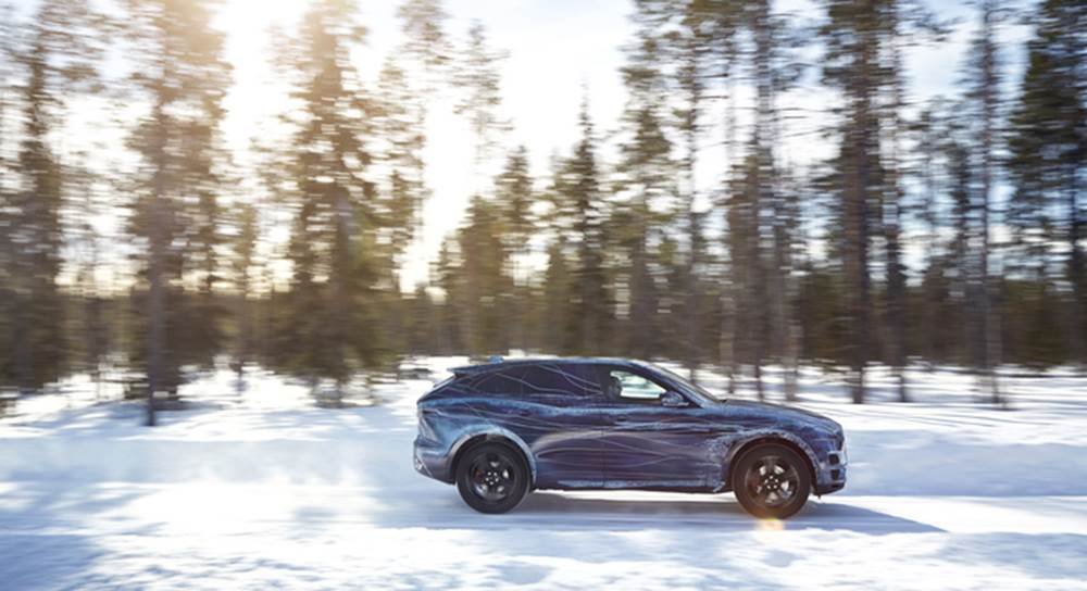 jag-fpace-cold-test-image-290715-04-699x380