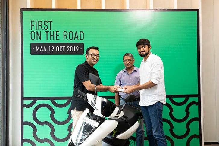Tarun Mehta, co-founder and CEO, Ather Energy, handing over the first Ather 450 to a customer in Chennai.