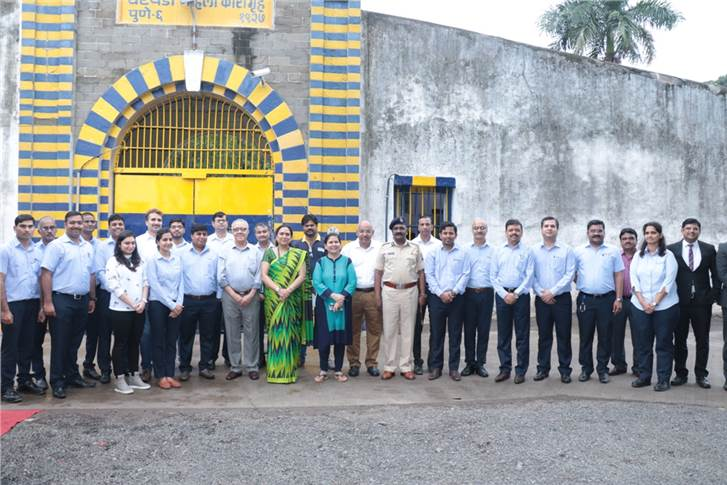 Sarika Minda, chairperson, Spark Minda Foundation with other dignitaries outside the Yerawada jail.