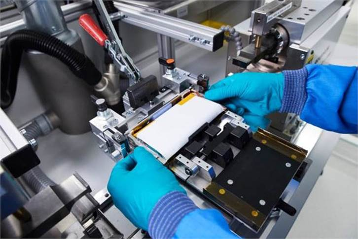 Production of prototypes of future battery cells, focusing on cell chemistry, cell design and build-to-print expertise.