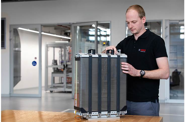 When powered with hydrogen this fuel-cell powertrain, Bosch aspires to make climate-neutral transportation of goods and commodities a reality.