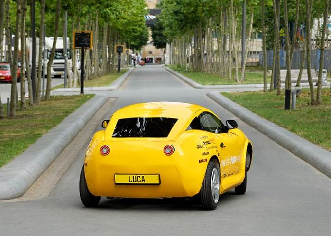 Luca, which weighs only 360kg without batteries, reaches a top speed of 90kph and has a range of 220km. It needs only 60kg of batteries, compared to hundreds of kilograms for other electric cars