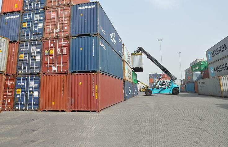 The shortage of containers also continues to hamper shipments to overseas markets.