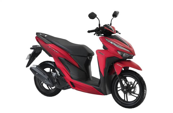The Click 150i, which also gets a smart key system, delivers fuel economy of 52 kilometres per litre and is priced at Php 95,900 (Rs 128,527).