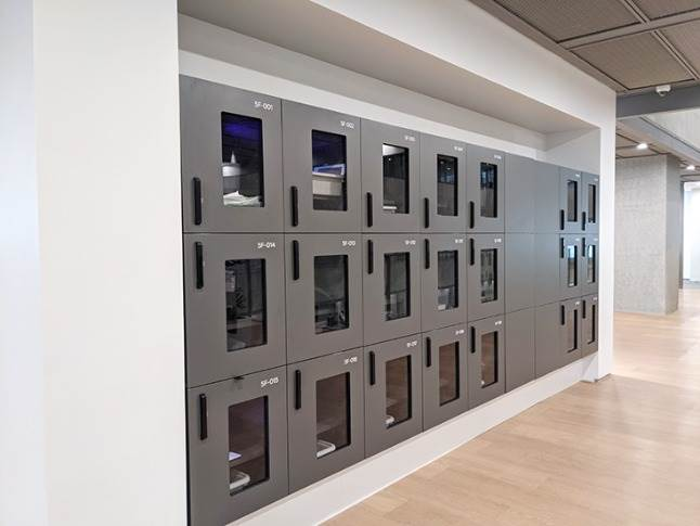 Ultraviolet ray-sanitised stowage lockers for added safety, cleanliness and germ protection inside main working area.
