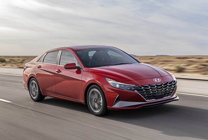 The Elantra SE, SEL, and Limited offer the 2.0L MPI Atkinson Cycle engine that also has a focus on fuel economy. This engine generates 147 hp at 6200rpm and 132 lb.-ft. of torque at 4500rpm.