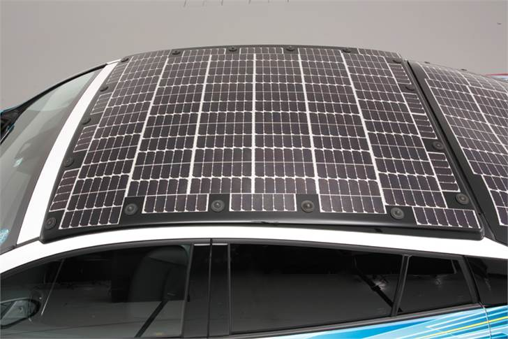 Sharp Corp has modularised its high-efficiency solar battery cells (conversion efficiency of 34 percent-plus) to create an onboard solar battery panel on the Toyota Prius..