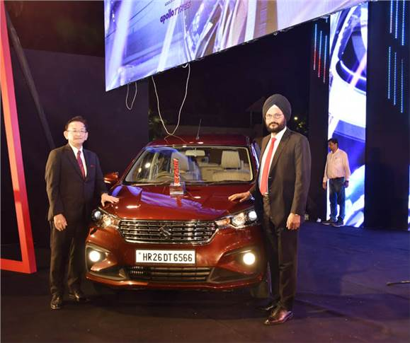 Kenichi Ayukawa, MD and CEO, Maruti Suzuki India, and R S Kalsi, senior executive director, Marketing & Sales, with the Car of the Year 2019 – the second-generation Maruti Ertiga.