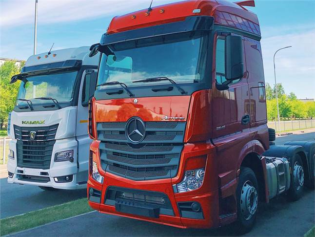 Mercedes-Benz Actros and Kamaz K5 for the Russian market.