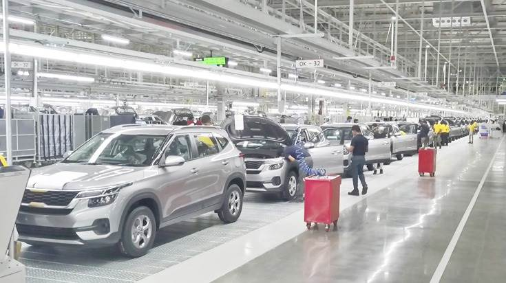 In addition to petrol and diesel variants of the Seltos, production of future electric and hybrid vehicles has been  factored in when designing the Kia Motors India plant production lines.
