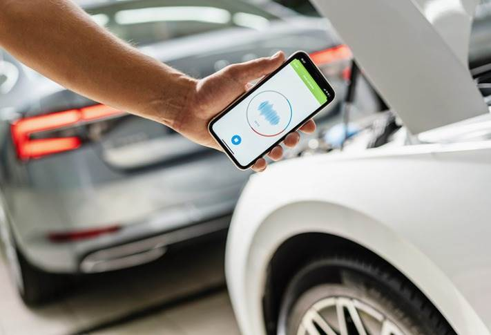 The Sound Analyser app uses AI to reliably, clearly and quickly assess the current condition of wearing parts and notify technicians of any required servicing.