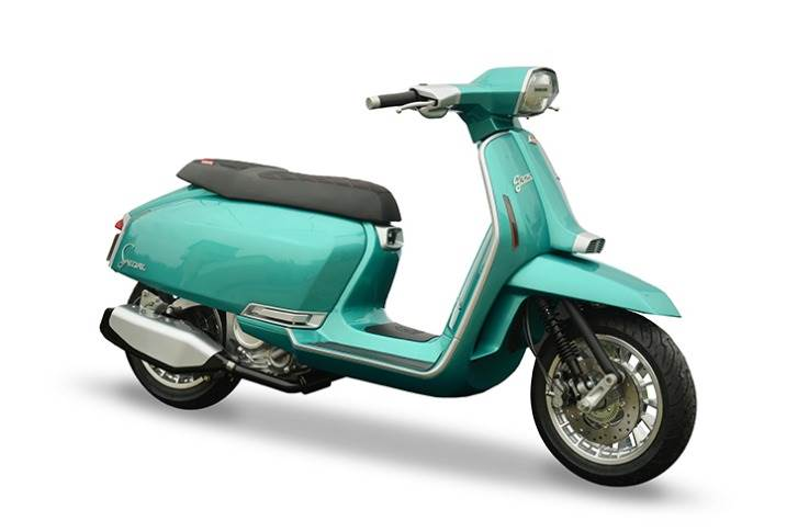 The G325 Special features a full steel monocoque architecture with interchangeable side panels, the iconic Lambretta design and full rider interface.