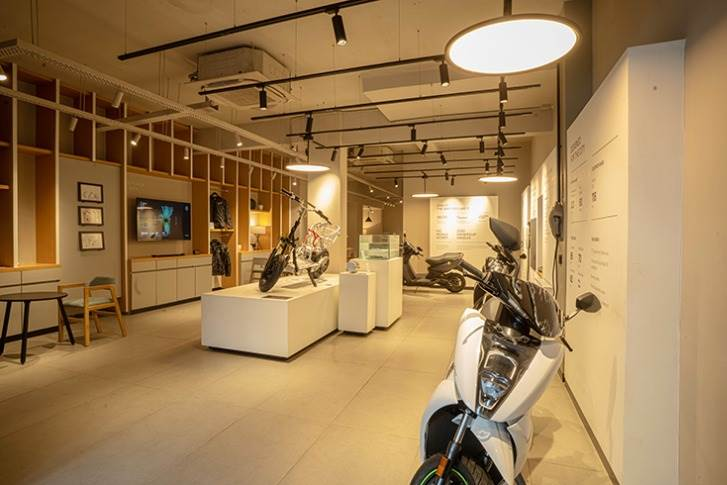 Ather Space is a dynamic, tactile and interactive facility designed to educate customers about EVs while providing a holistic experience in an interactive space.