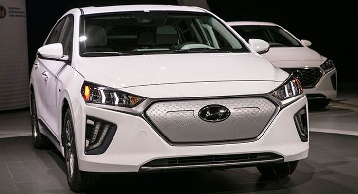 2020 Ioniq comes equipped with new Hyundai SmartSense active safety features