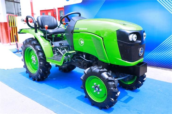 The running cost of a conventional 21HP diesel tractor is roughly around Rs 150 per hour while for the Cellestial E-Mobility tractor will be around Rs 20 to Rs 35 a hour.